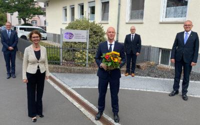 Für langjährige Verdienste geehrt: DGD-Stiftung verabschiedet Dr. Michael Gerhard
